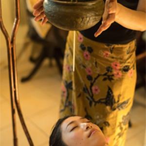シロダーラ(瞑想)